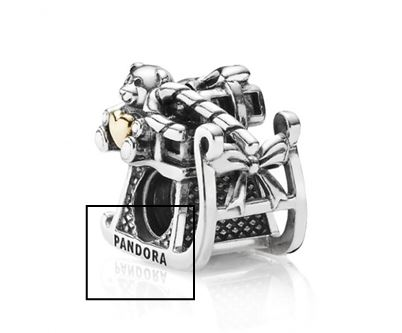 charm Pandora traineau bicolore gravure pandora