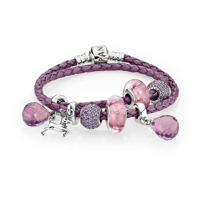 Bracelet Pandora composé cuir violet