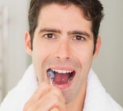 Swissdent : Envie de dents plus blanches ?