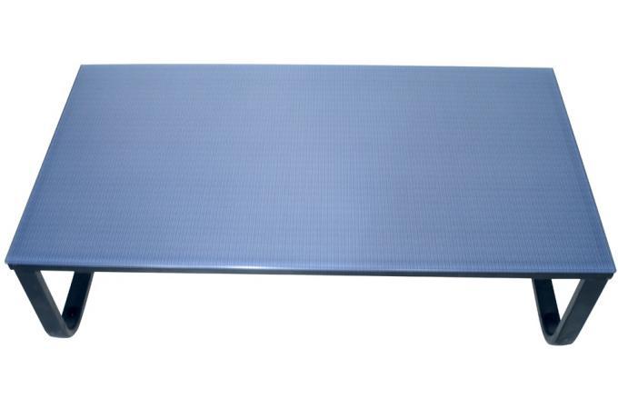 table basse plateau verre imprim de maille grise table basse pas cher. Black Bedroom Furniture Sets. Home Design Ideas