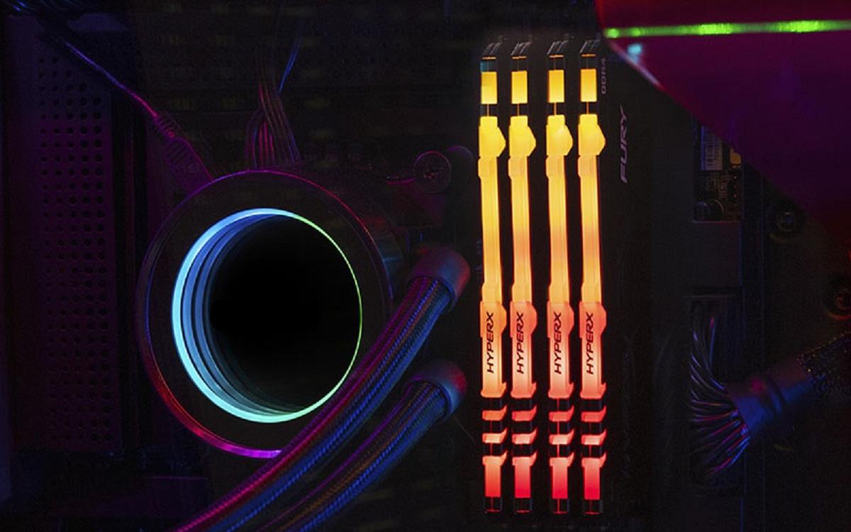 Fury - 1x16 Go - DDR4 3600 MHz - CL18 - Noir - RGB