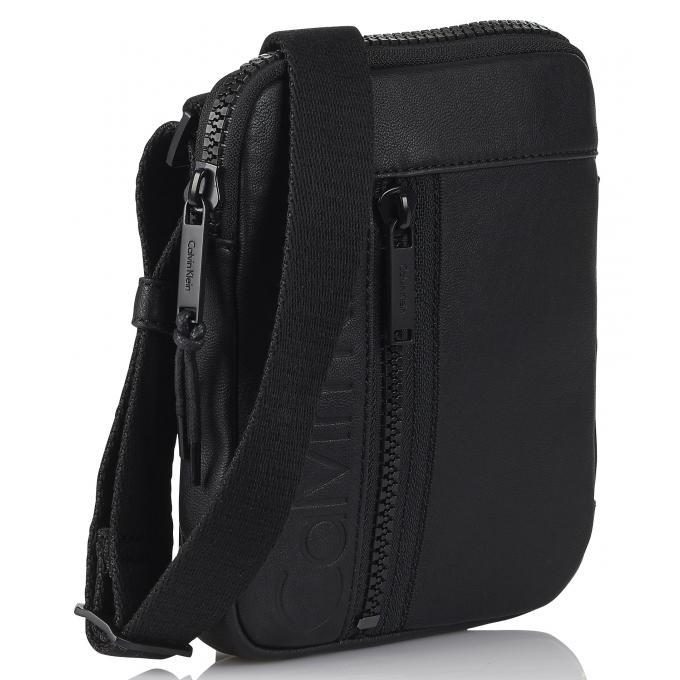 mini sac porte croise ashton bandouli re amovible ck calvin klein and calvin klein jeans. Black Bedroom Furniture Sets. Home Design Ideas