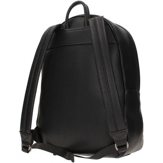 sac a dos en cuir lisse tendance guess maroquinerie sac dos homme. Black Bedroom Furniture Sets. Home Design Ideas