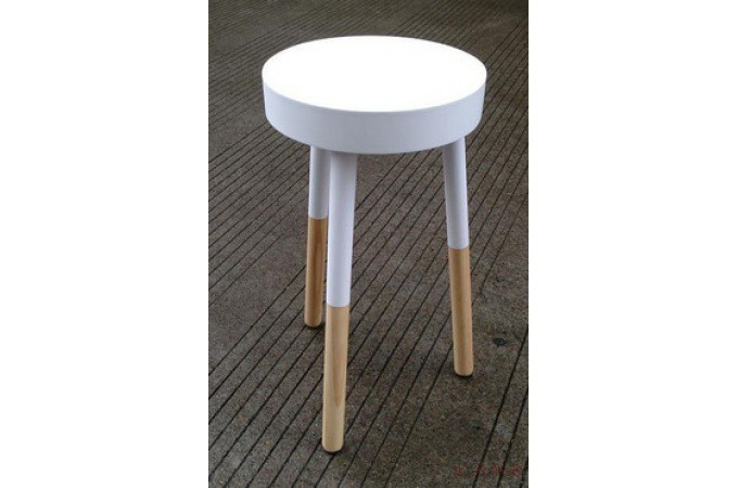 tabouret kare design 3 pieds blanc vincent petit. Black Bedroom Furniture Sets. Home Design Ideas