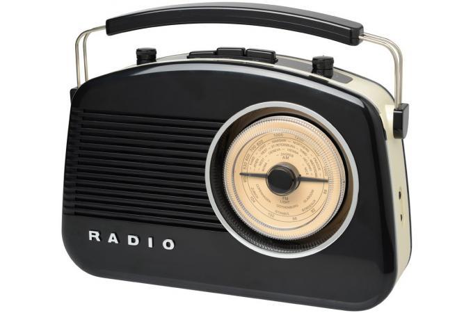 radio 60 39 s noire bluetooth gadget et jeux pas cher. Black Bedroom Furniture Sets. Home Design Ideas